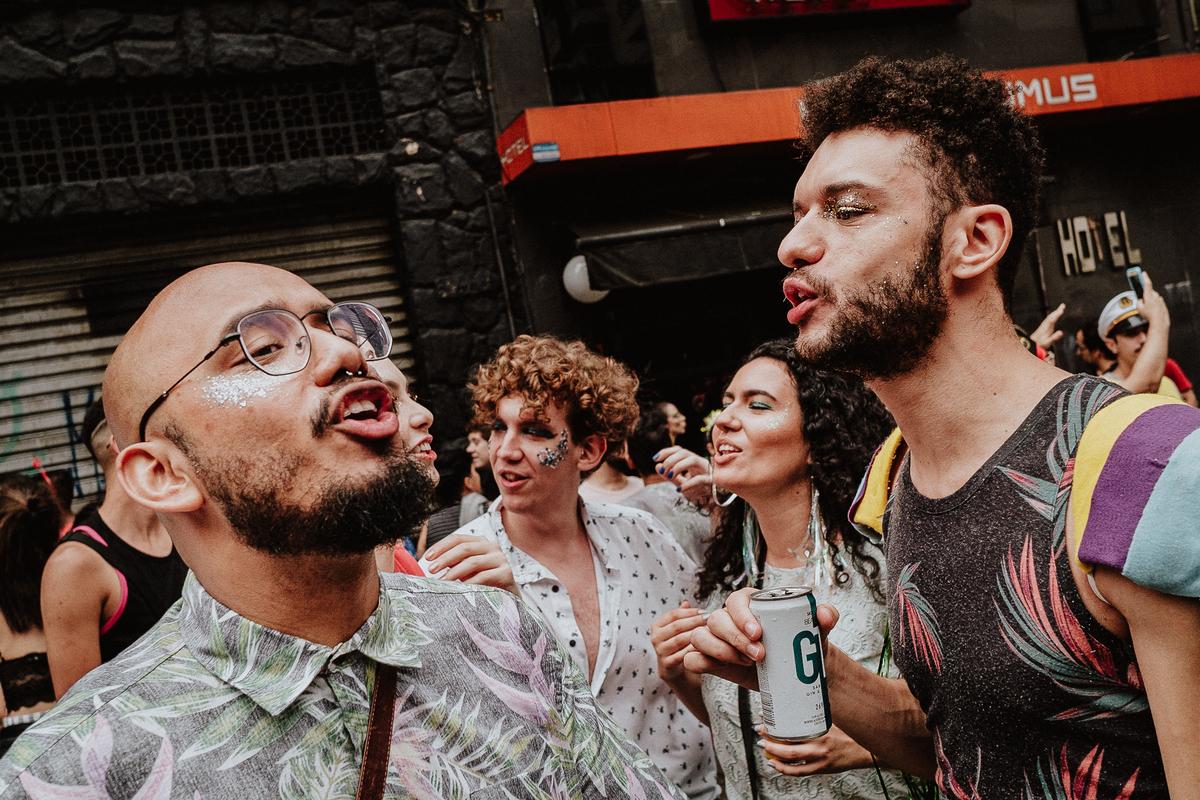 ensaio casal ensaio no bloquinho rua augusta fotografia de casamento casais autenticos fotografos de casamento em sao paulo fotos por caio henrique