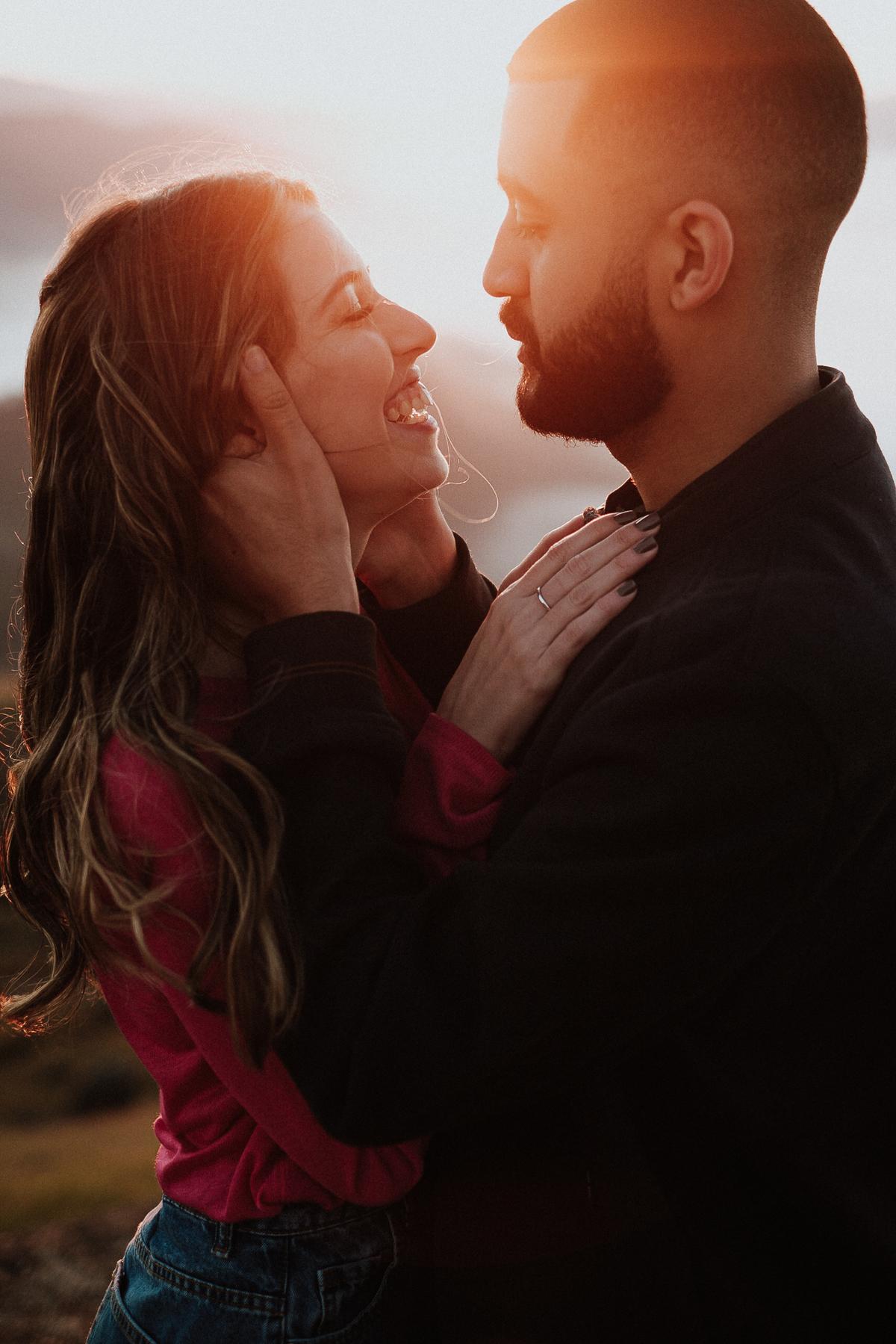 nascer do sol fotos de casais no campo pre casamento ao ar livre pico do olho dagua fotos por caio henrique zona leste cerimonias no campo