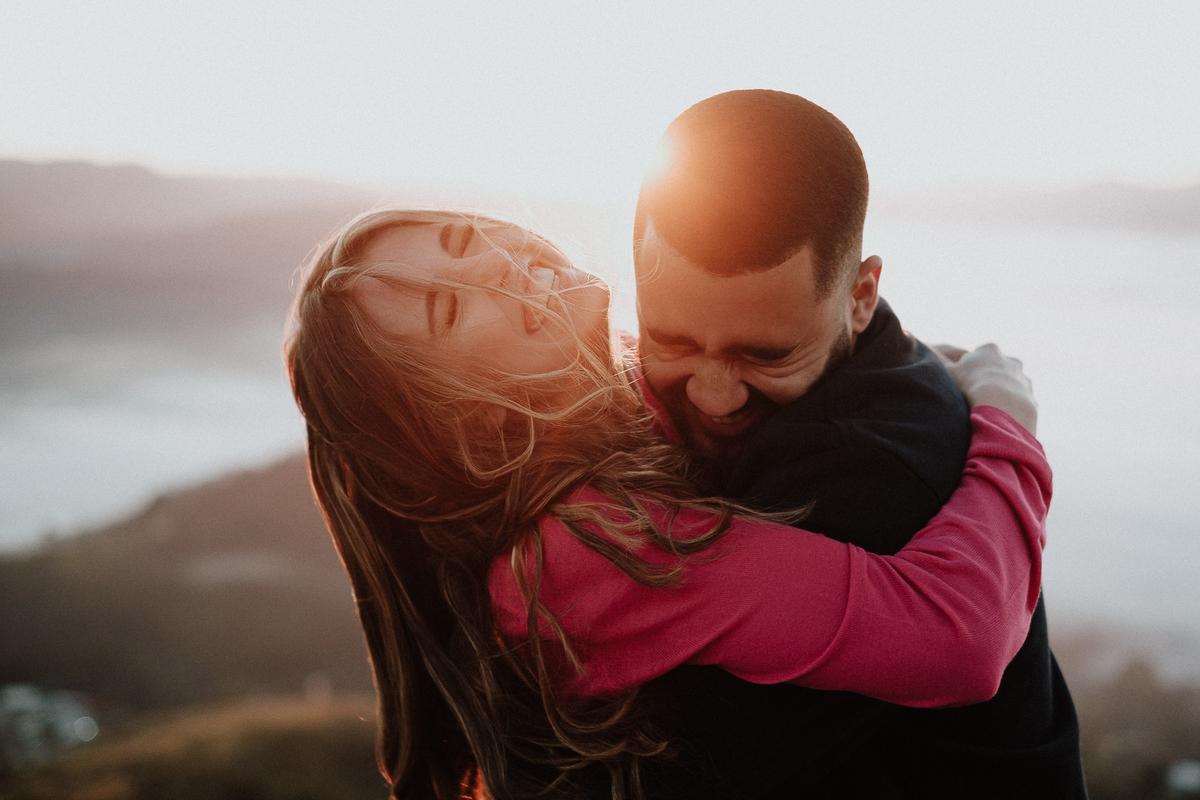 nascer do sol fotos de casais no campo pre casamento ao ar livre pico do olho dagua fotos por caio henrique zona leste elopement wedding