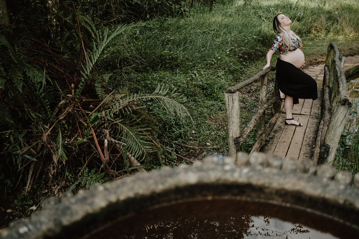 ensaio no parque fotos de casal ensaio de gravidos mae de menino fotos por caio henrique fotografos de casamento e familia fotos de casal sorrindo jardim botanico