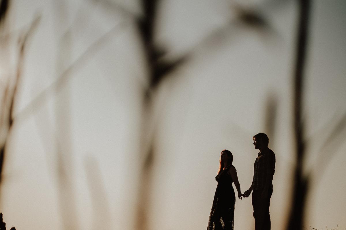 fotografia autoral ensaio casal pre wedding no campo fotografia de casamento fotos por caio henrique fotografo zona leste fim de tarde ensaios de dia