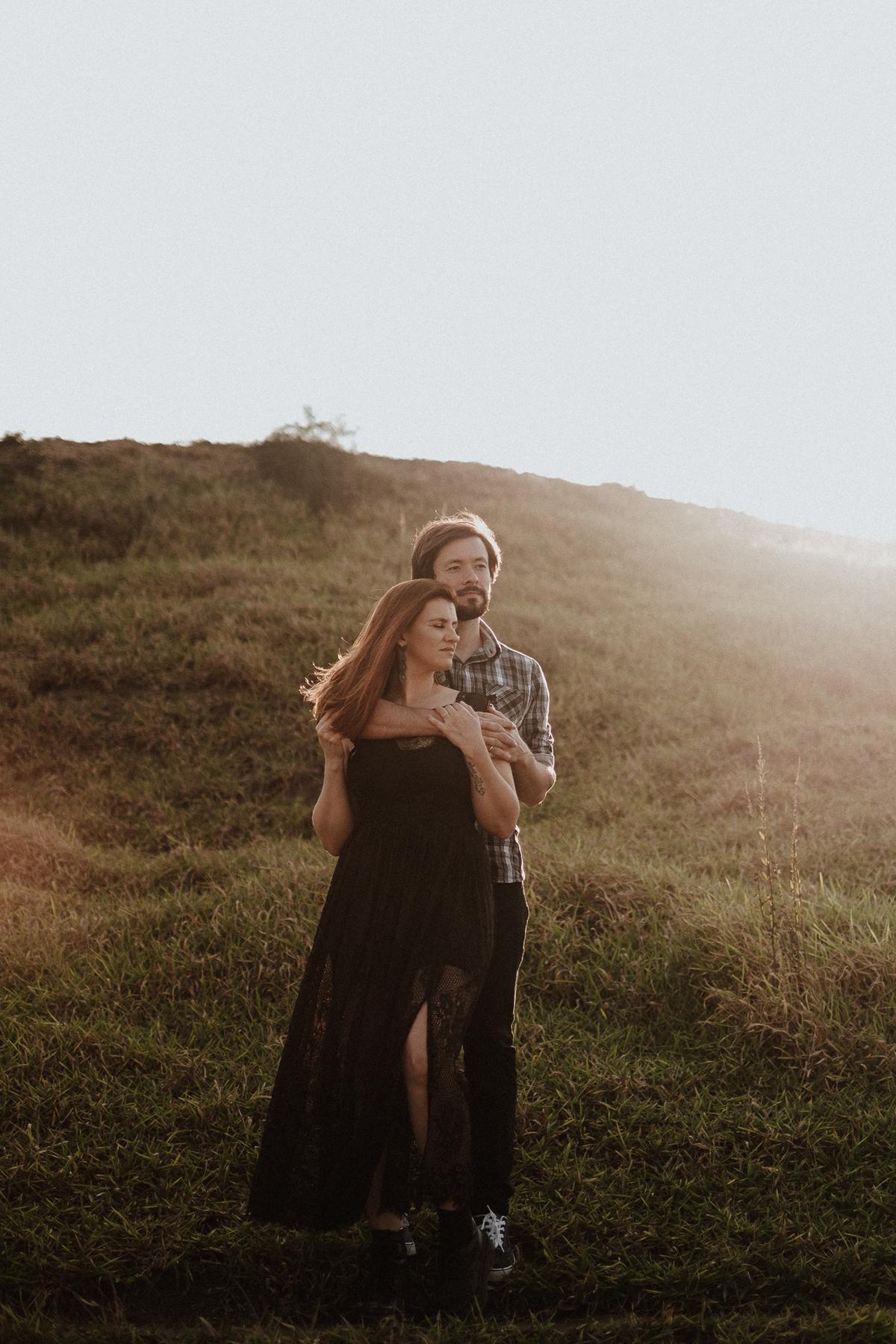 fotografia de casamento ensaio pre wedding fotos no campo por do sol interior de sp fotografos de casamento de dia fotos por caio henrique casamentos em mairipora