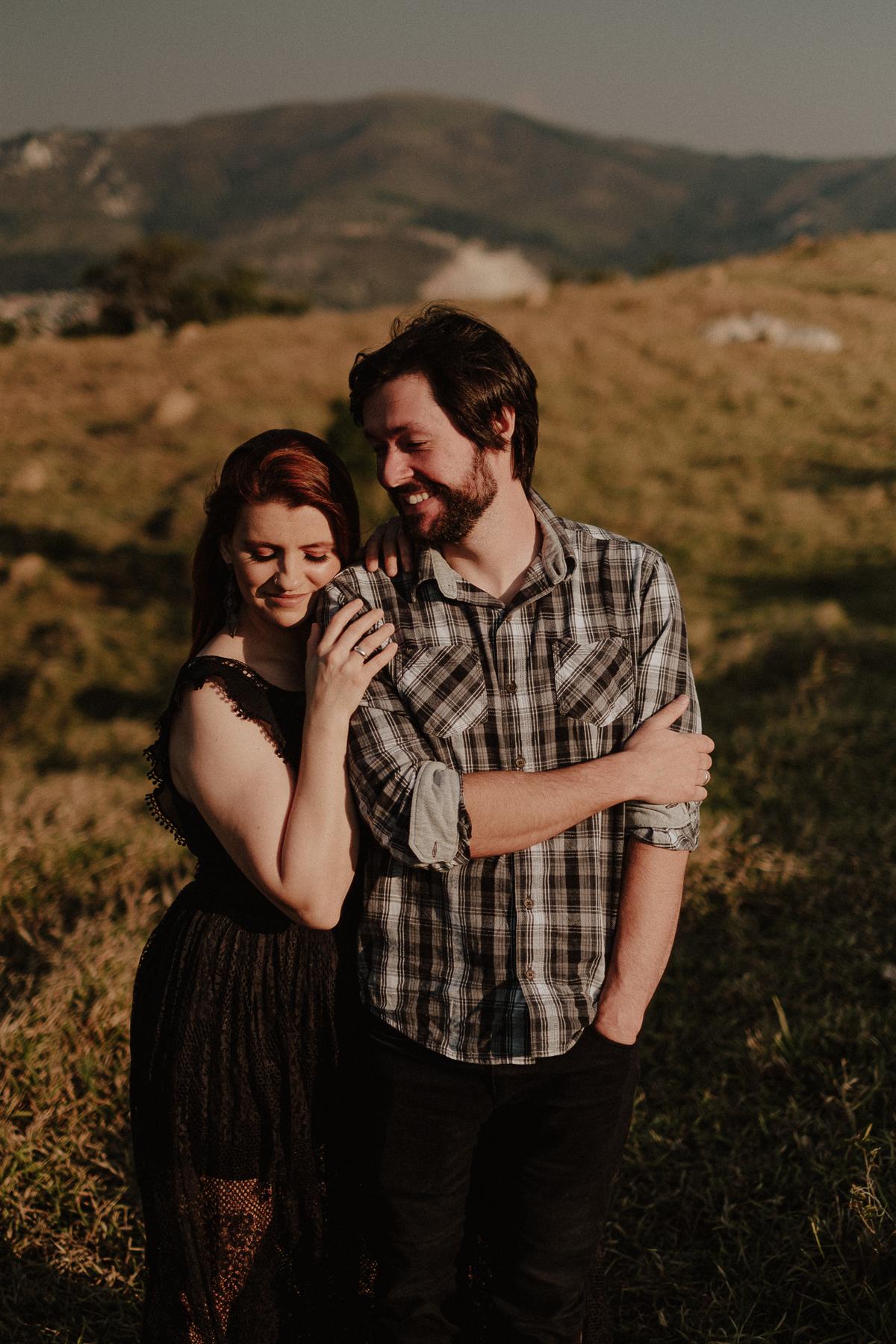 ensaio pre casamento fotos no campo ensaio pre wedding fotos por caio henrique fotografos de casamento de dia fotografos autenticos