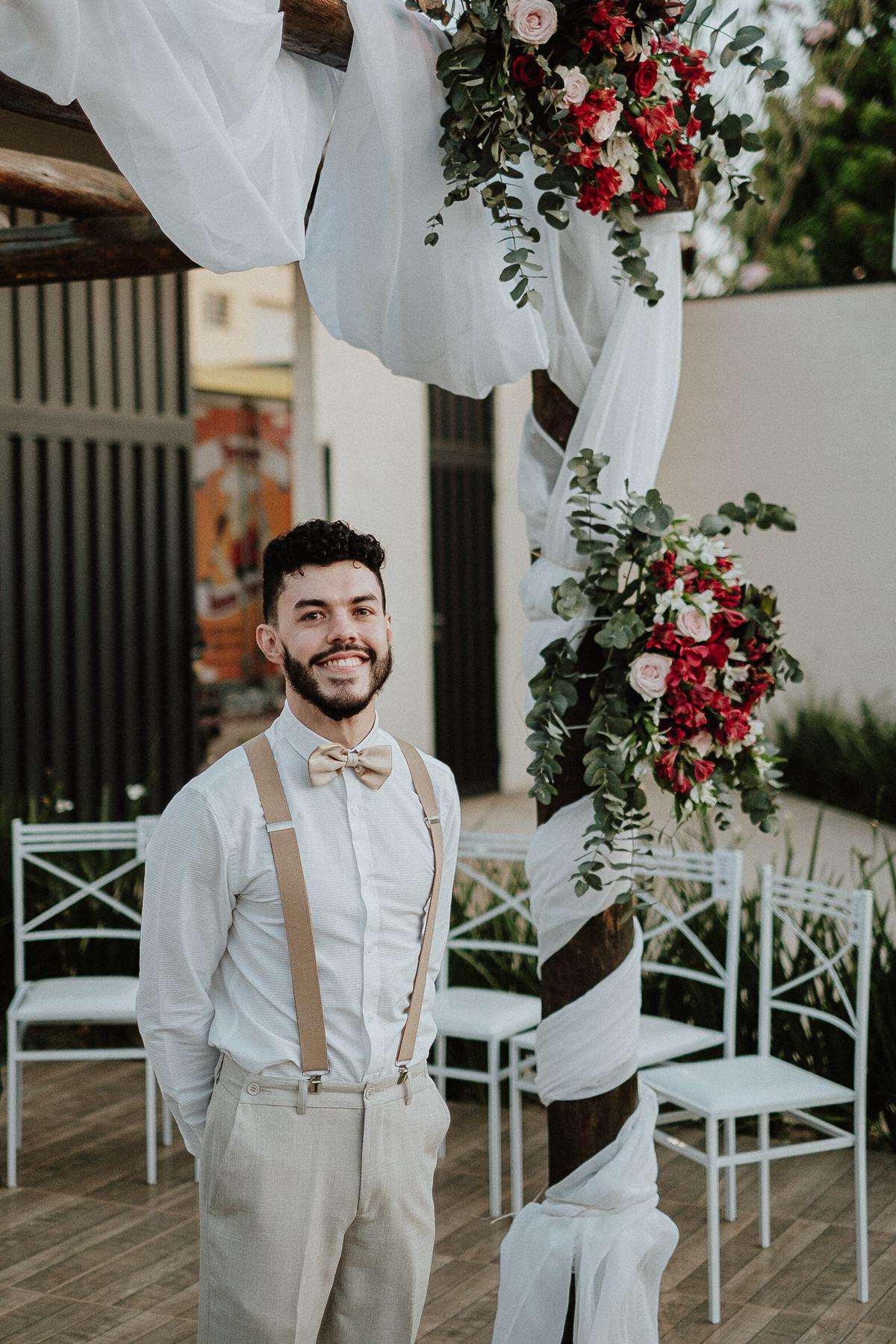 casar em campinas fotografia de casamento mini weddings casamentos de dia fotografia por caio henrique noivo com a mae  entrada do noivo cerimonia no campo