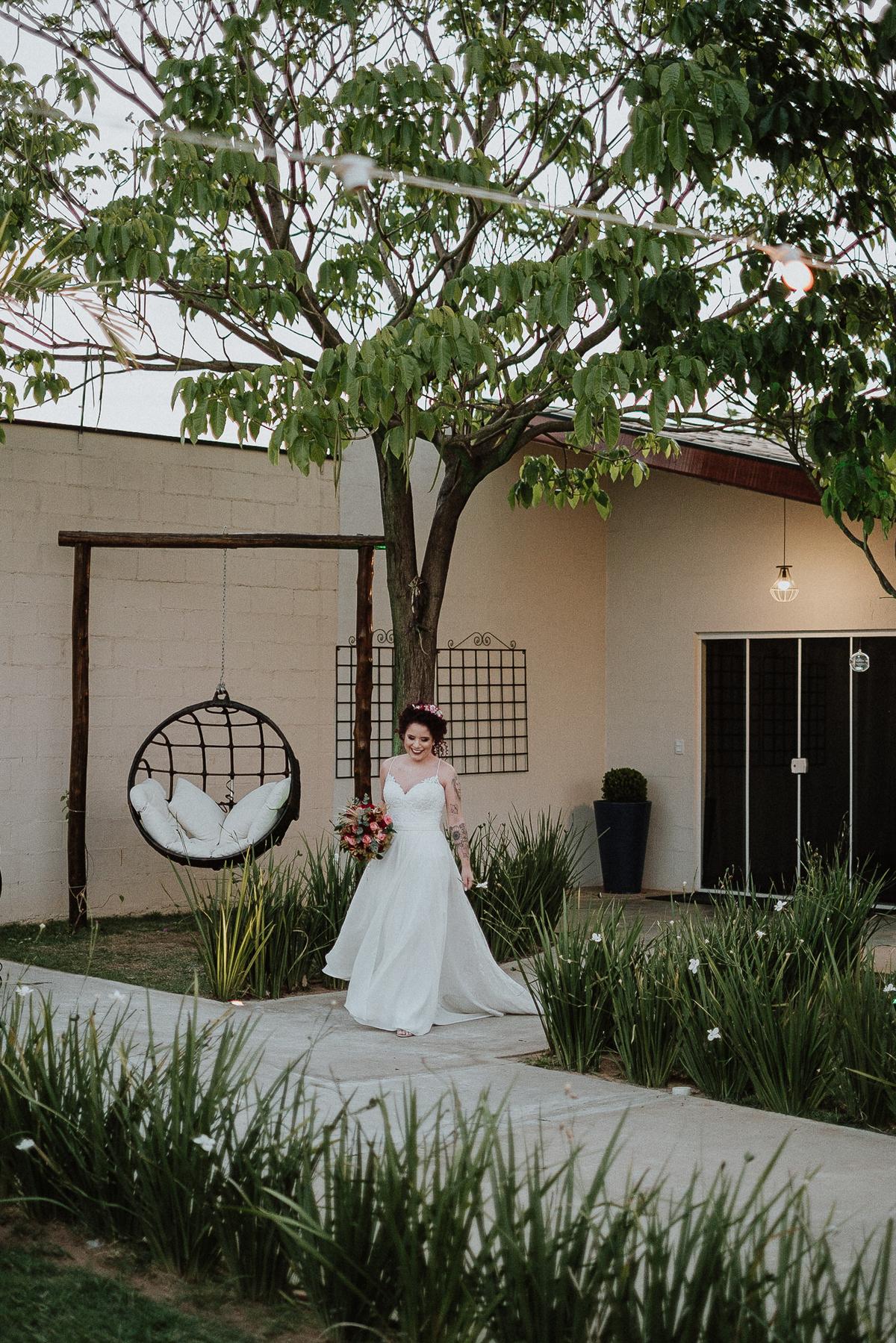 casar em campinas fotografia de casamento mini weddings casamentos de dia fotografia por caio henrique noivo com a mae  entrada do noivo cerimonia no campo vestido de noiva