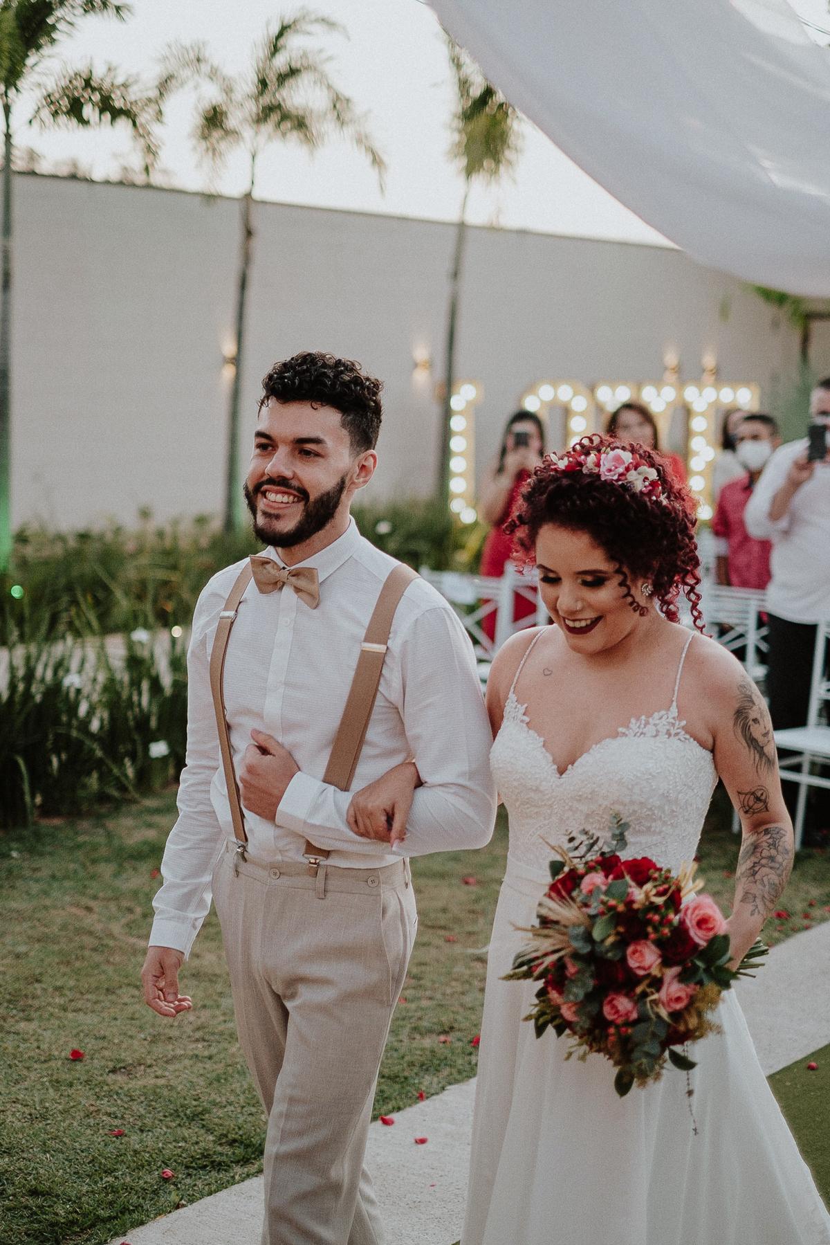 noivos sorrindo ideias de casamentos decoracao rustica rancho verde eventos campinas