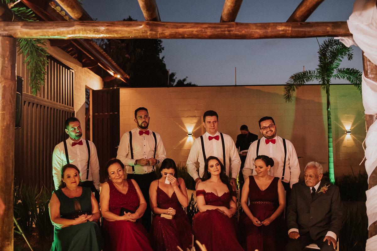 padrinhos trajes de noivos ideias para casar casamentos com estilo fotos por ch caio henrique fotografo de casamento  noivos sorrindo