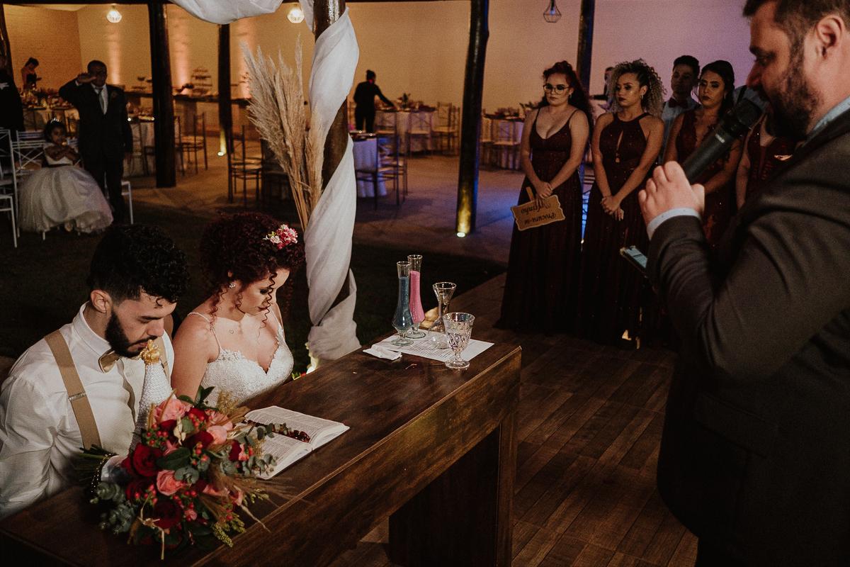 troca de aliancas cerimonias fim de tarde fotografia documental varal de luzes ideias para casar