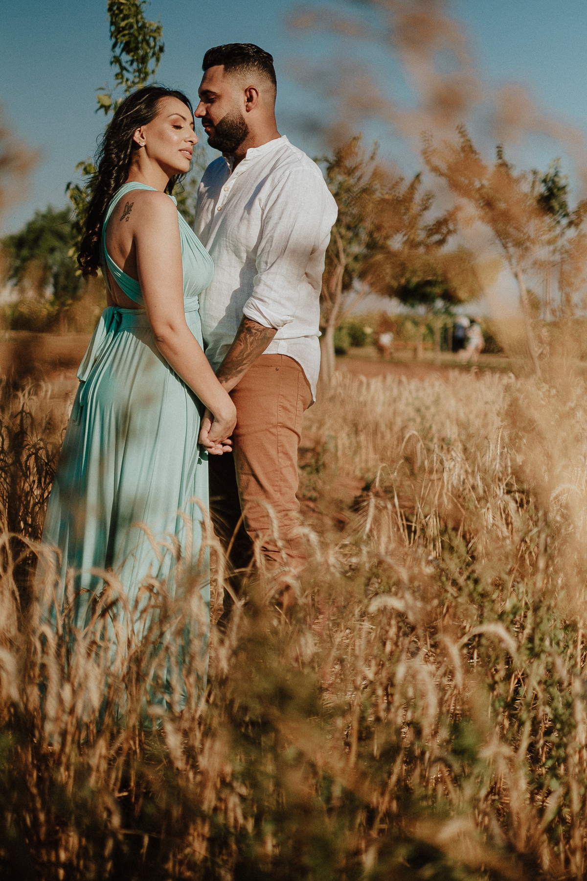 ensaio no campo pre wedding em holambra fotos de pre casamento de dia fotos por caio henrique