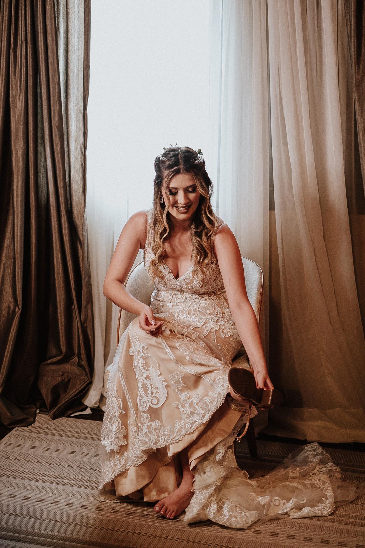 elopement casamentos no campo casar de dia fotografos de casamento vestidos de noiva noiva sorrindo