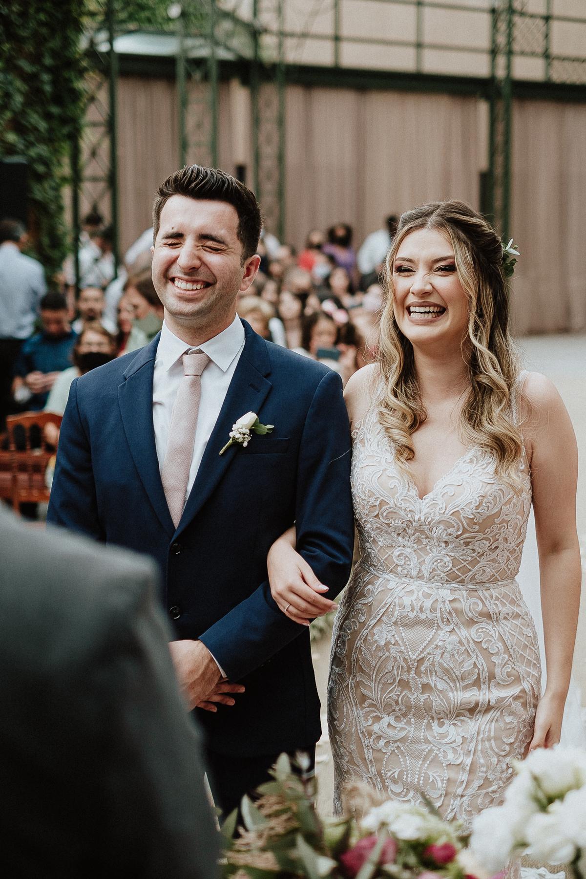 entrada da noiva com o pai casamento ao ar livre fotos por caio henrique mini wedding
