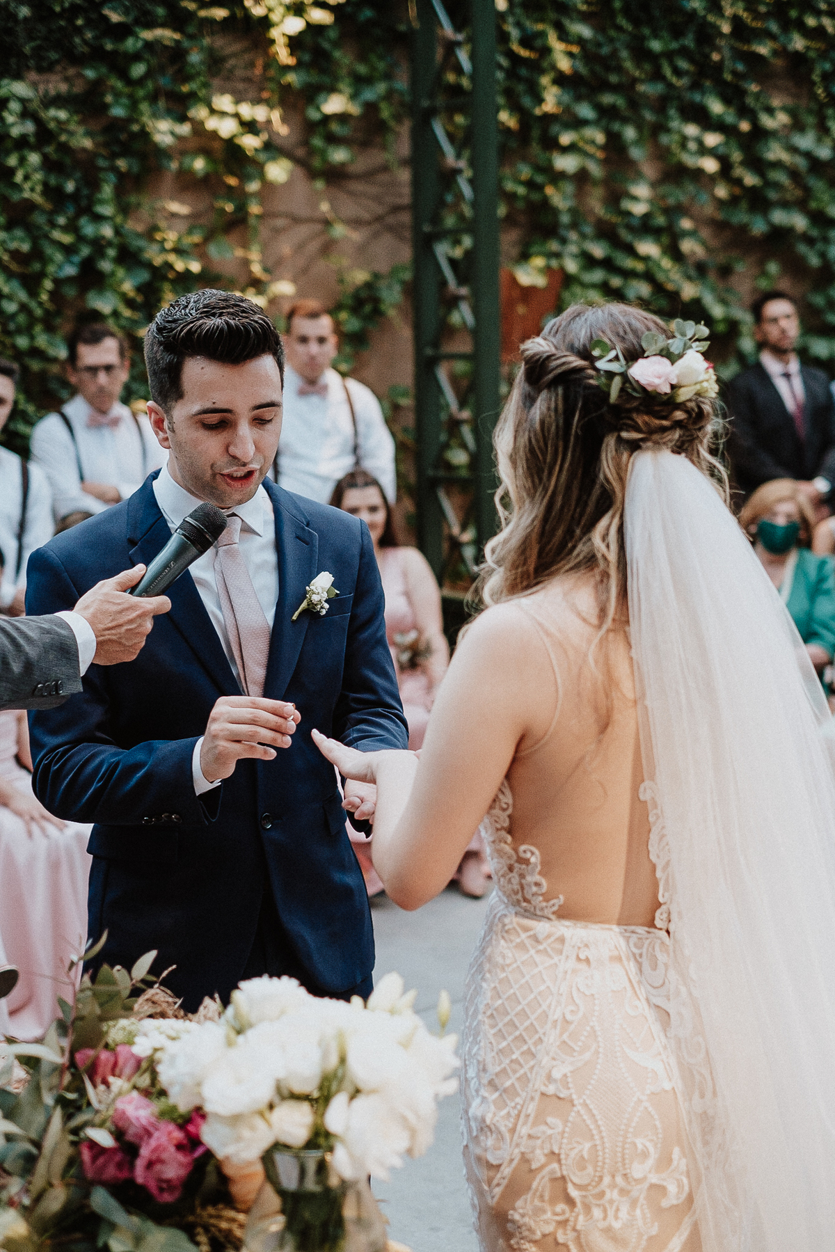 votos do casal fotos por caio henrique cerimonia no campo sitio sao jorge casamento cristao entrada das aliancas fotos por caio henrique