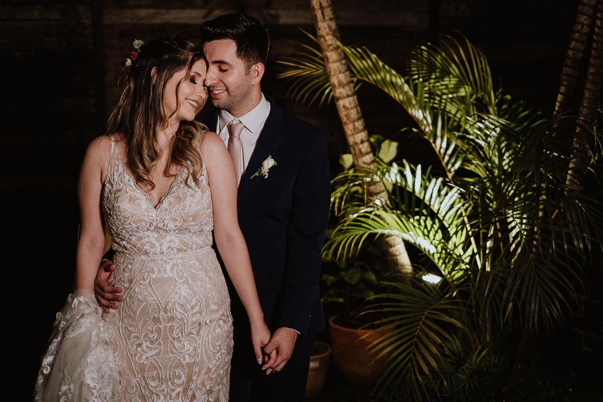 Bencao dos pais casamentos no campo fotos por caio henrique sitio sao jorge saida dos noivos sorrindo  ensaio pos cerimonia