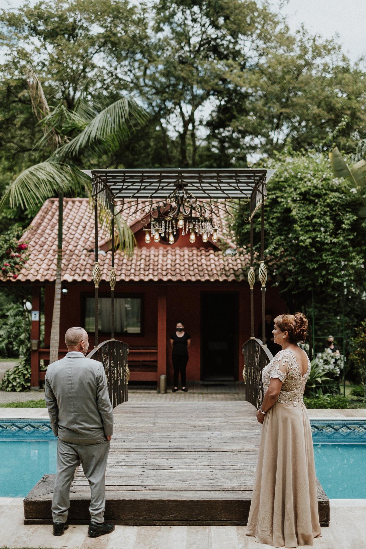 cerimonia no campo entrada do noivo casamentos de dia fotografos de casamento em mairipora