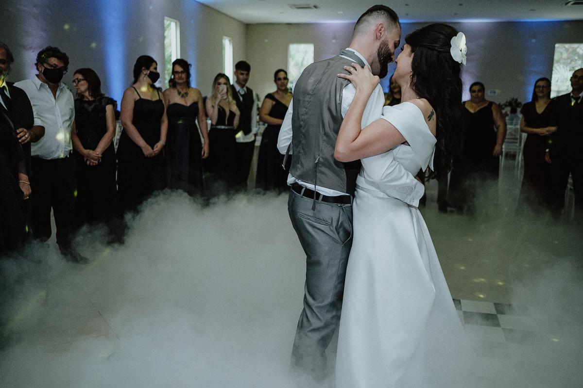 gravata do noivo festa de casamento fotografos de casamento sapatinho da noiva dança do casal