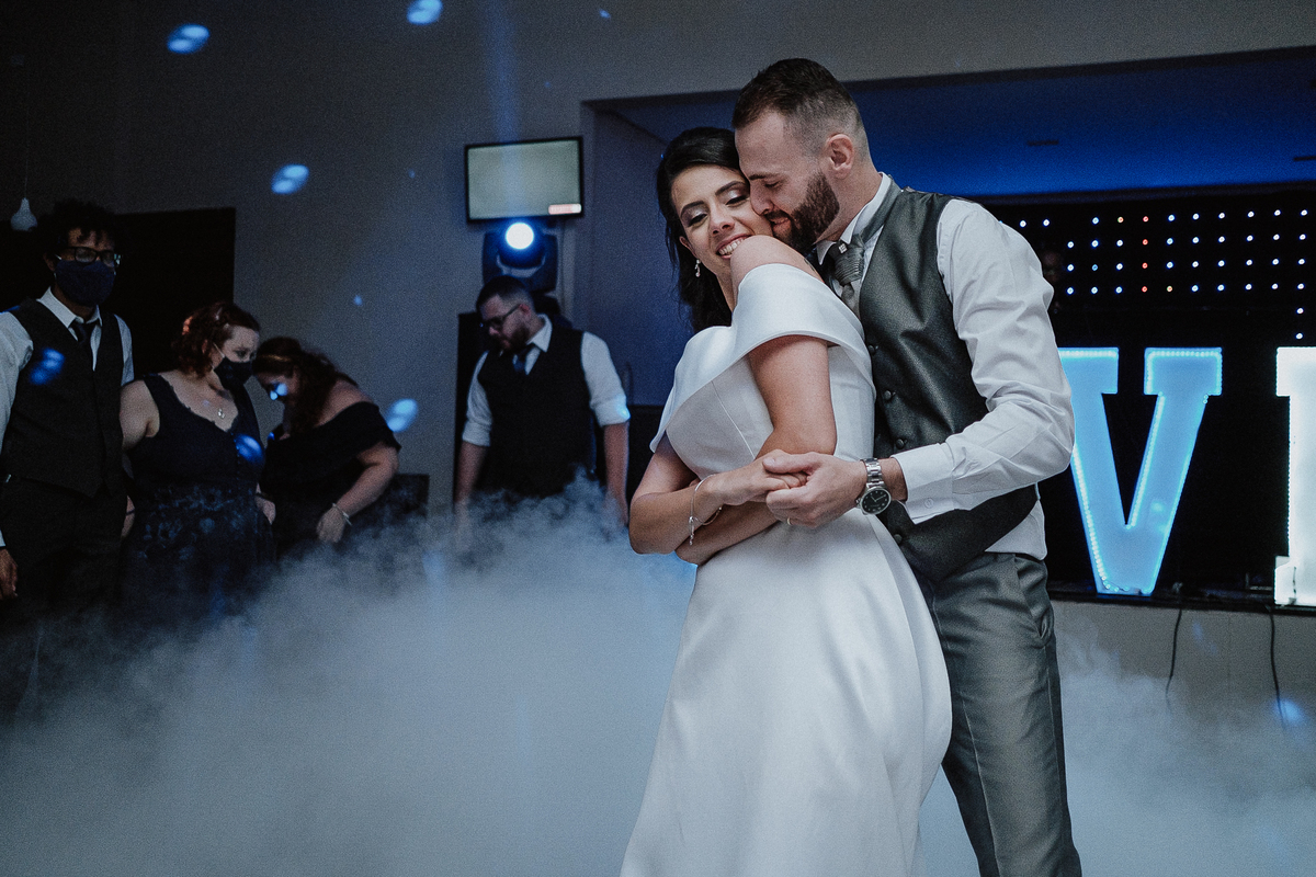 gravata do noivo festa de casamento fotografos de casamento sapatinho da noiva dança do casal valsa dos noivos