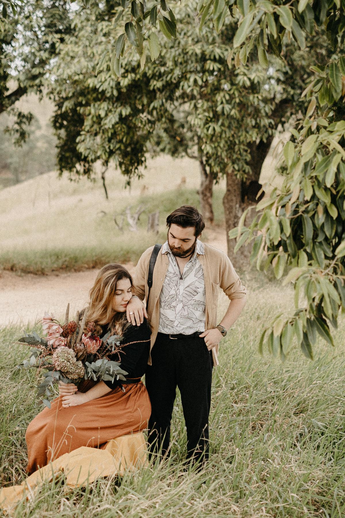 ensaio pre casamento ensaio autoral noivos artistas elopement pirapora do bom jesus por caio henrique  casar no campo