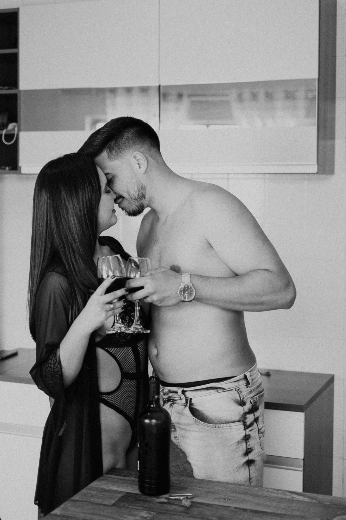 sessao com pipoca ensaios diferentes fotografia de casamento por caio henrique ensaio intimista ensaio sensual de casais fotos pinterest
