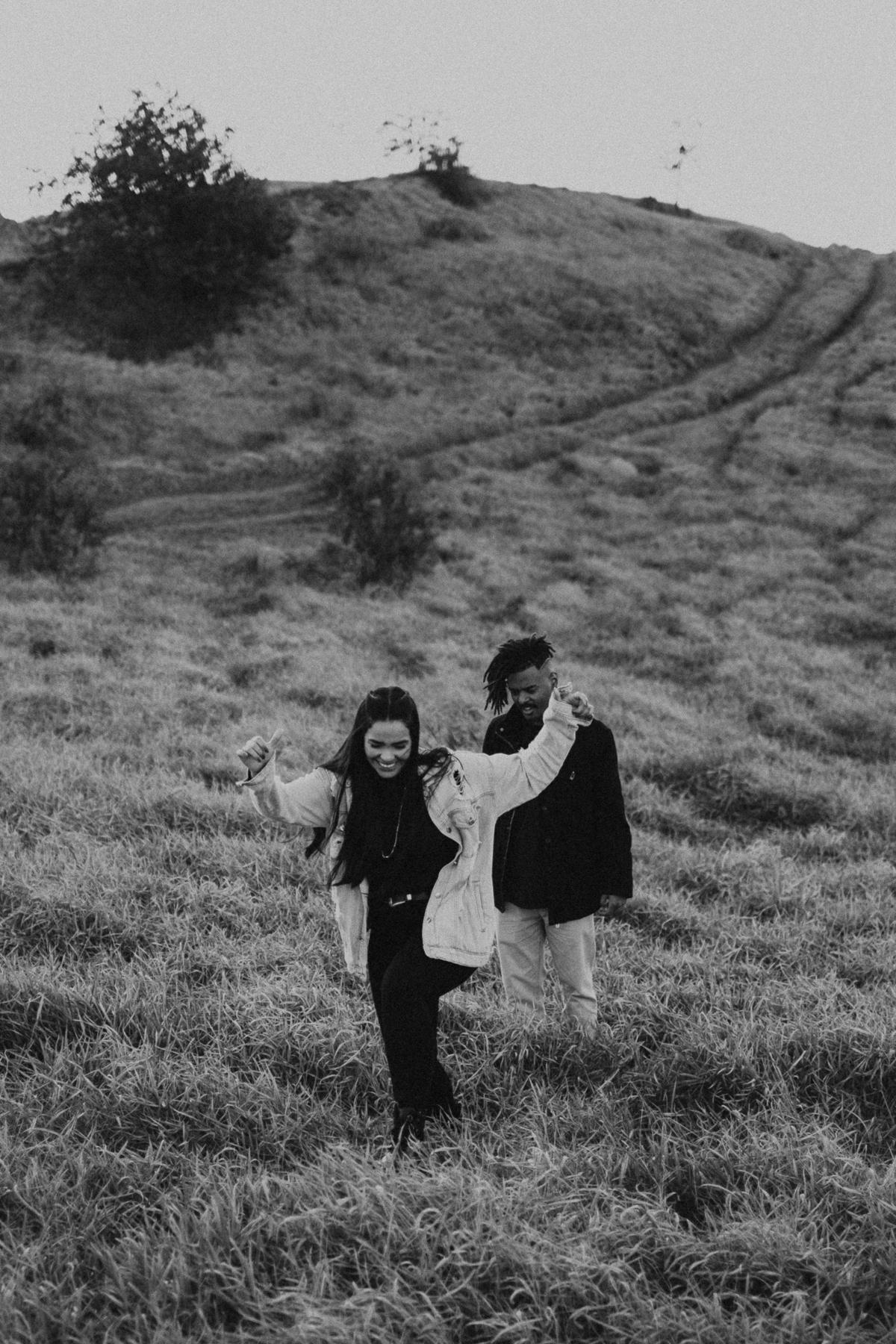 fotografos de casamento em pirapora do bom jesus morro do capuava ensaio pre casamento por do sol fotografos autenticos casais estilosos ideias de look pra ensaio morro do capuava elopement wedding mini weddings