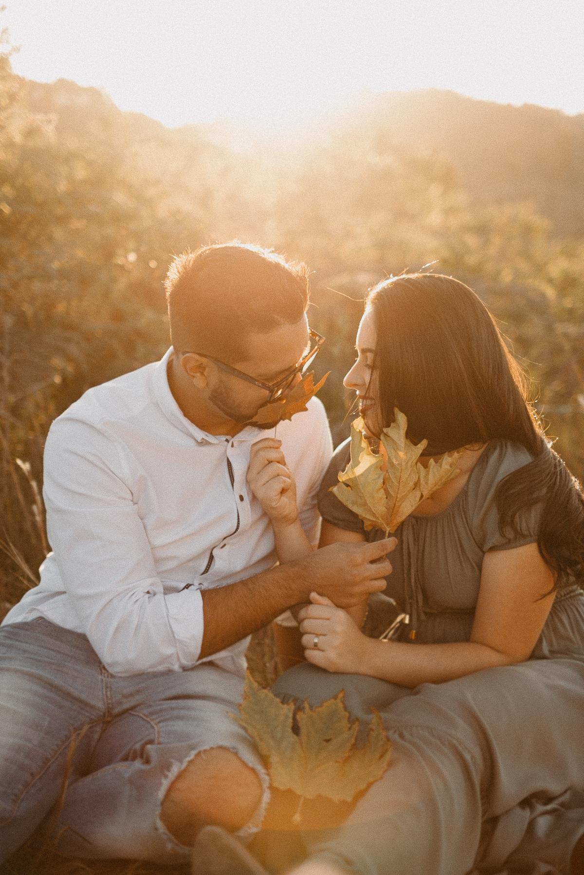 ensaio no campo casamentos de dia fotografia de casamento pre wedding no por do sol por caio henrique fotografo de casamento elopement wedding inspiracao de noivas  luz de outono campos do jordao