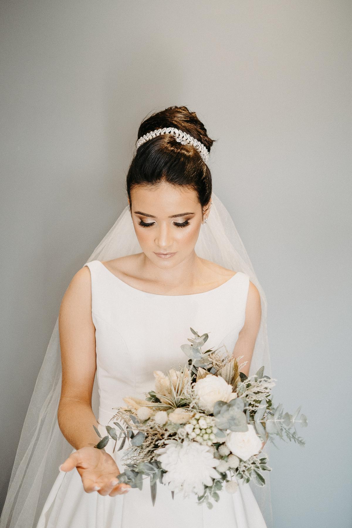 buque de noiva fotografia de casamento cerimonia intimista inspiraçoes de casamento fotografos de casamentos de dia vestido de noiva