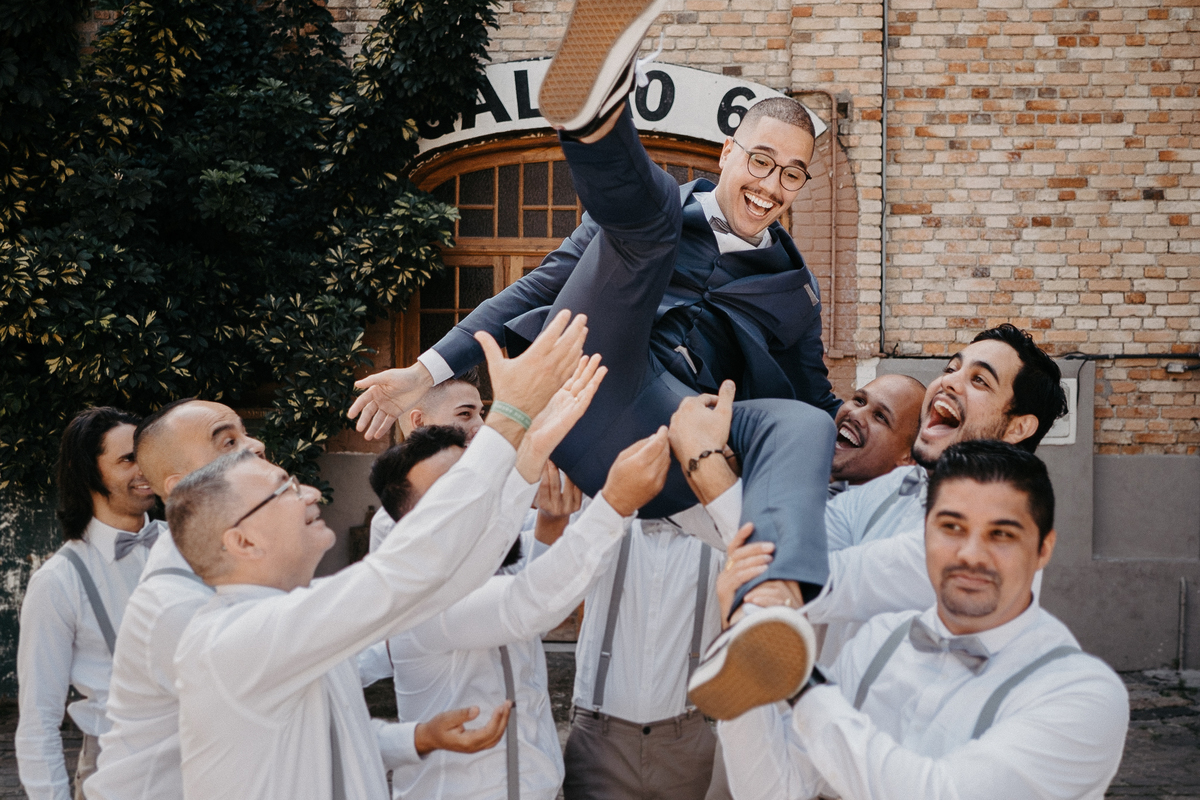 elopement casamentos no campo casar na fazenda inspiracao de casamento vestido de noiva minimalista mini wedding fotos por caio henrique padrinhos do casal