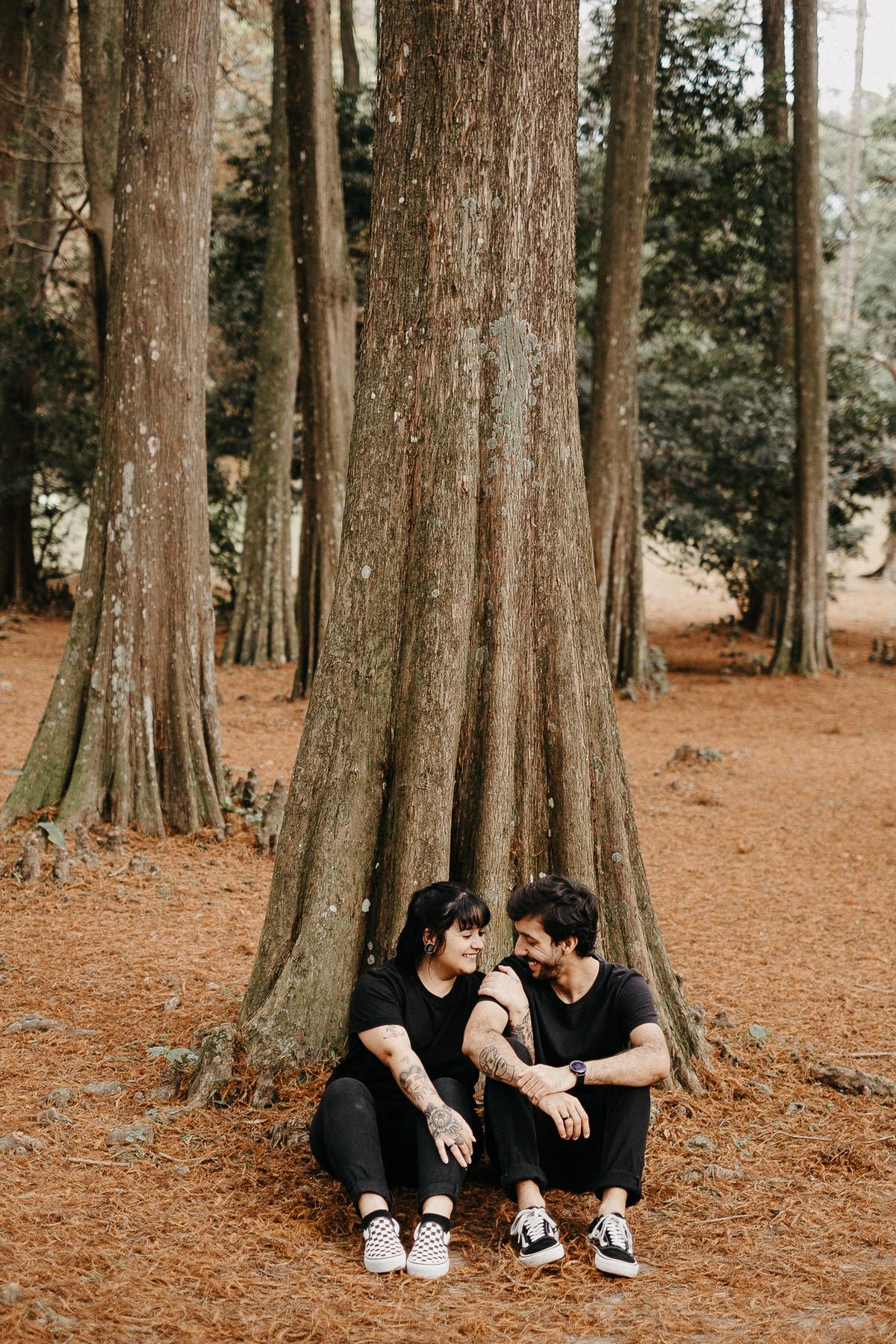 ensaio casal no parque horto florestal sao paulo fotos por caio henrique fotografo de casamentos zona leste pre wedding casamentos de dia cerimonias no campo casar ao ar livre