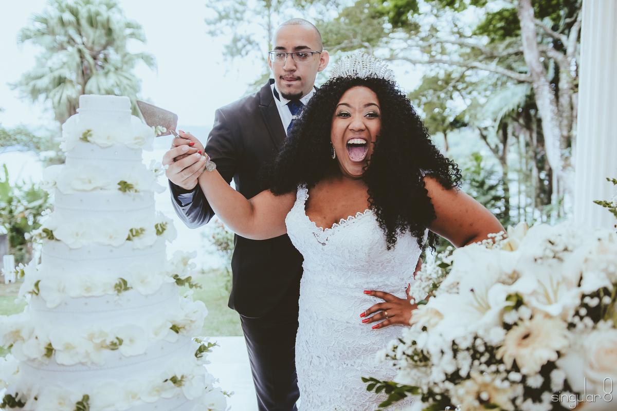 Imagem capa - Convidados: 5 Itens que vão fazer eles AMAREM seu casamento!  por Singular 8