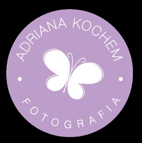Logotipo de Adriana Kochem Fotografia | Fotógrafa Infantil | Petrópolis - RJ