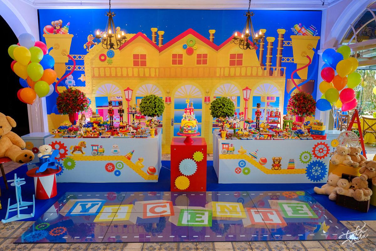 Imagem capa - Tema Fábrica de Brinquedos - inspiração de decoração infantil por Isis e Fabricio
