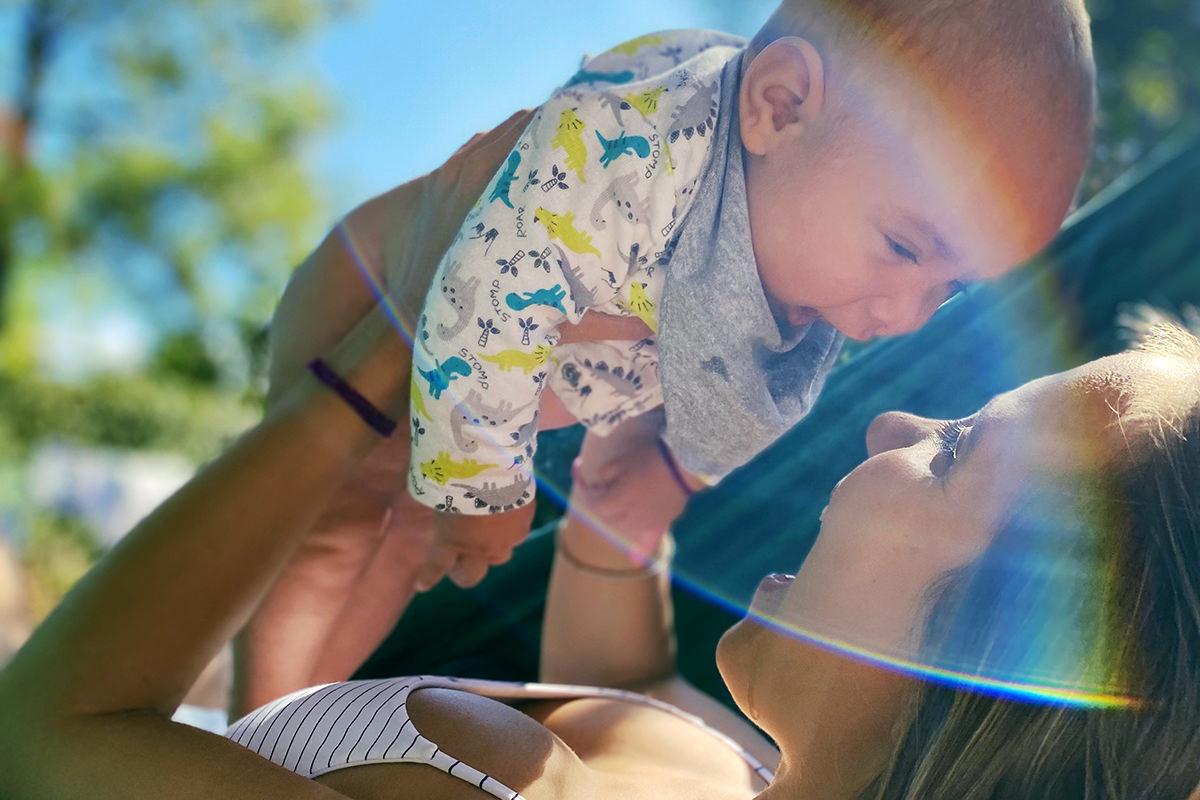 Imagem capa - O que é ser mãe? por Isis e Fabricio