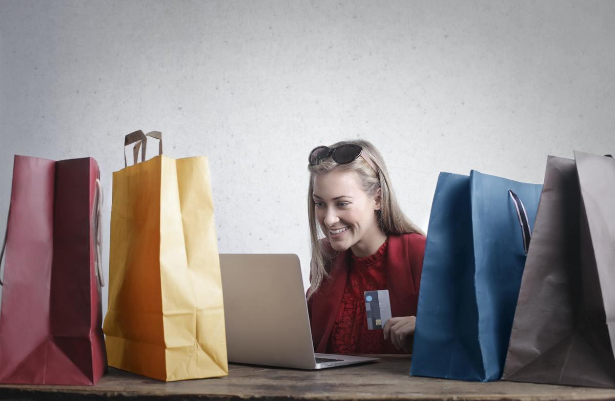 Imagem capa - Entenda o processo da jornada de compra do seu usuário por Camila Farani