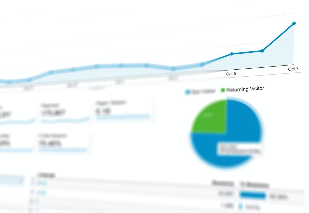 Imagem capa - Entenda o Marketing B2B e como essa estratégia pode alavancar negócios por Camila Farani