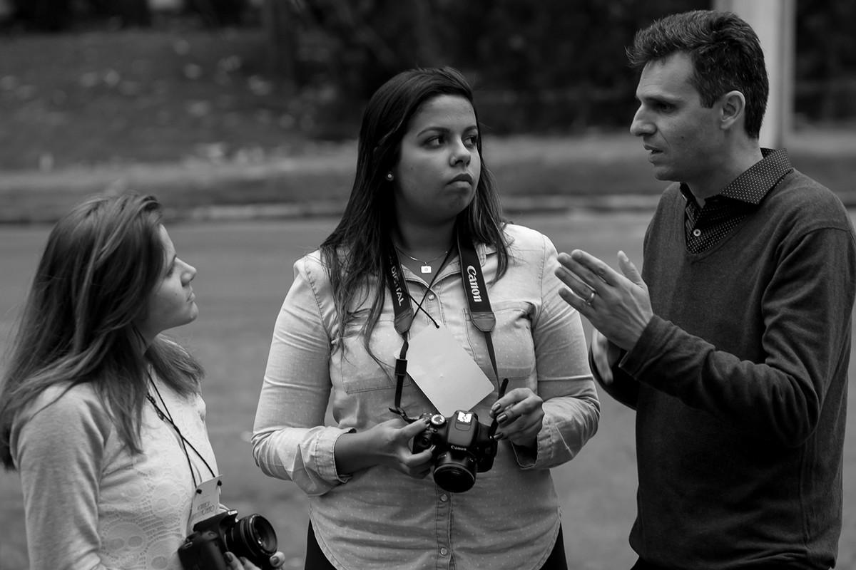 alunas-presta-atençao-nas-dicas-do-donato-curso-fotografia-workshop-estetica-e-momento