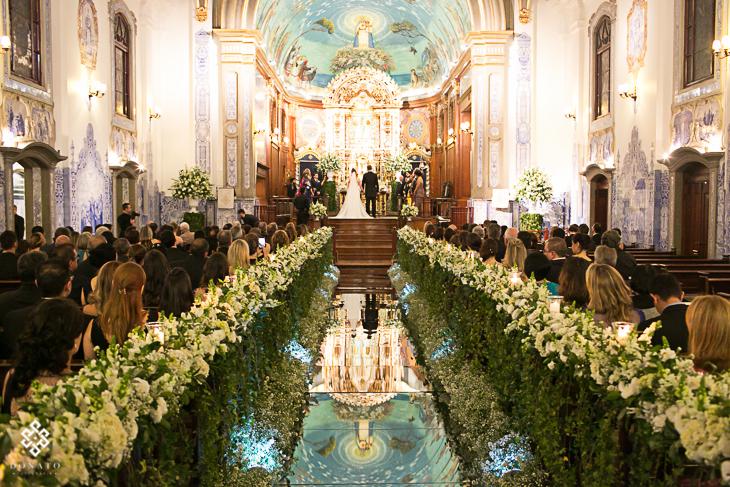 Imagem capa - Igrejas não podem obrigar contratações por Leandro Donato Fotografia