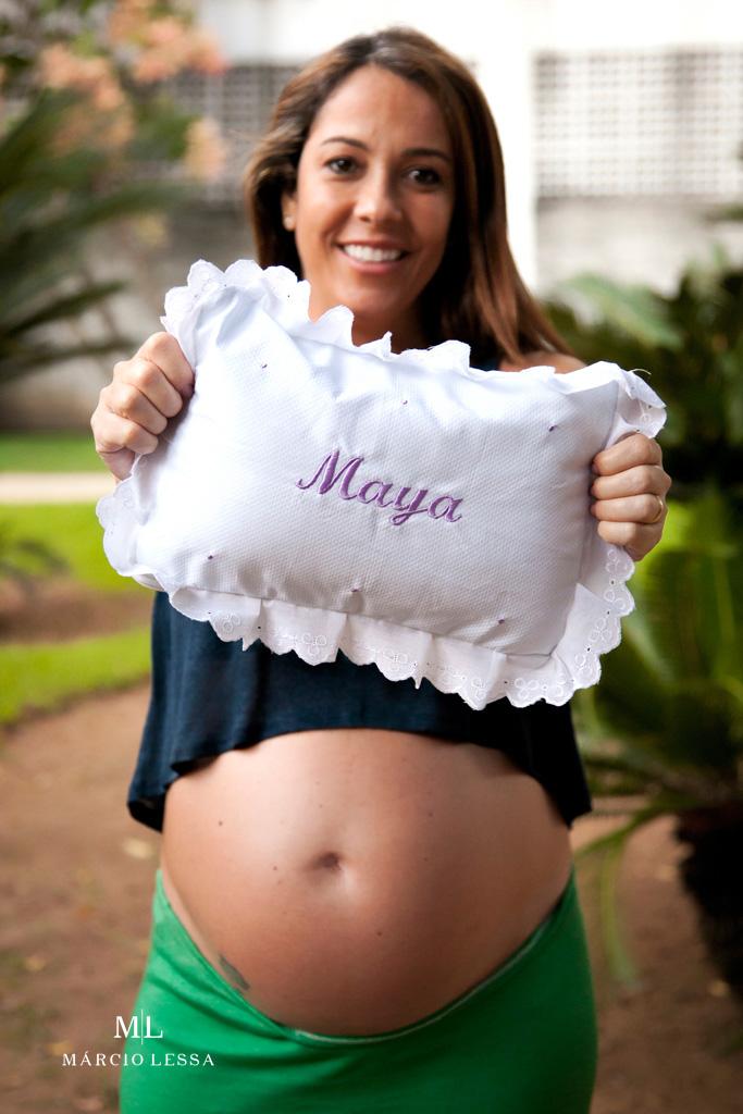 O travesseiro da Maya no Ensaio de Gestante por Márcio Lessa | Fotografia