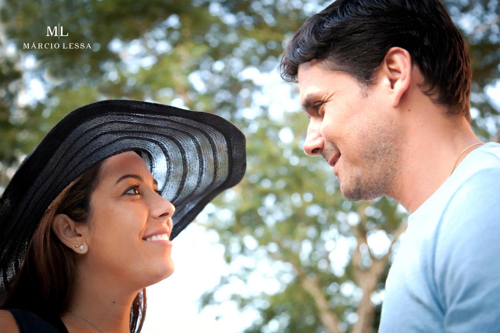 Olhares apaixonados no Ensaio de Gestante por Márcio Lessa | Fotografia