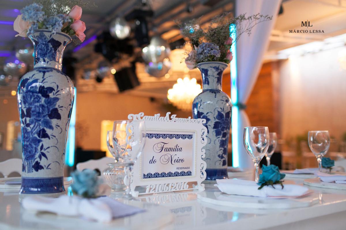 Detalhes da decoração da mesa