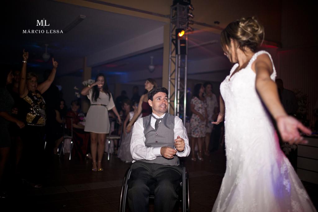 Os noivos na balada! Casamento na Lofty Kingdom Eventos, Rio de Janeiro, RJ, por Márcio Lessa | Fotografia