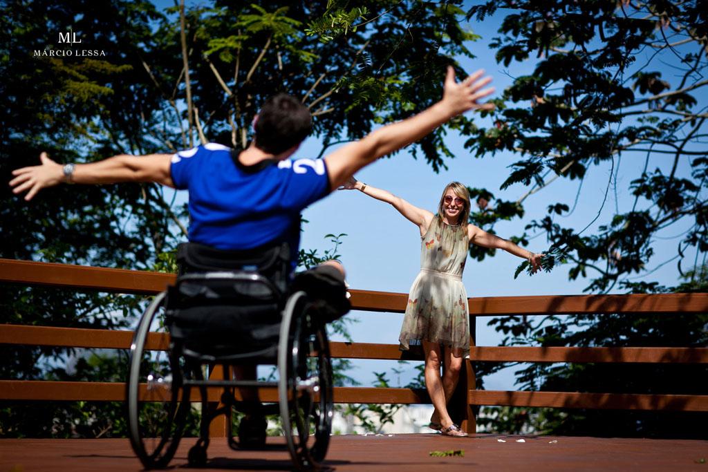 Pre-Wedding com atleta paralímpico no Parque Penhasco Dois Irmãos, Leblon, Rio de Janeiro, RJ, por Márcio Lessa | Fotografia