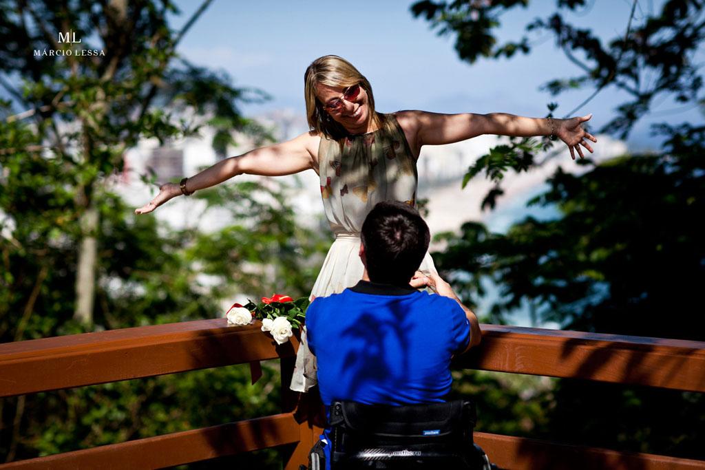 De braços abertos para te receber | Pre-Wedding no Parque Penhasco Dois Irmãos, Leblon, Rio de Janeiro, RJ, por Márcio Lessa | Fotografia