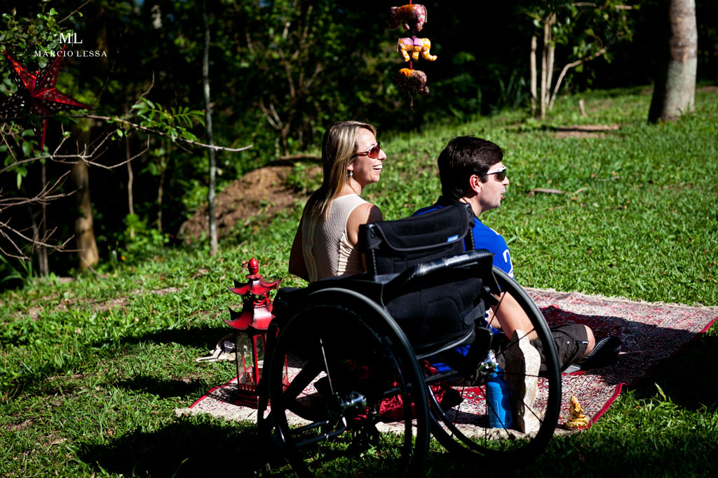O Atleta Paralímpico no Pre-Wedding no Parque Penhasco Dois Irmãos, Leblon, Rio de Janeiro, RJ, por Márcio Lessa | Fotografia
