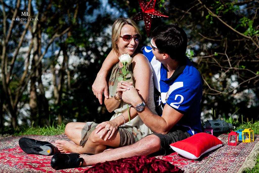 A rosa branca | Pre-Wedding no Parque Penhasco Dois Irmãos, Leblon, Rio de Janeiro, RJ, por Márcio Lessa | Fotografia