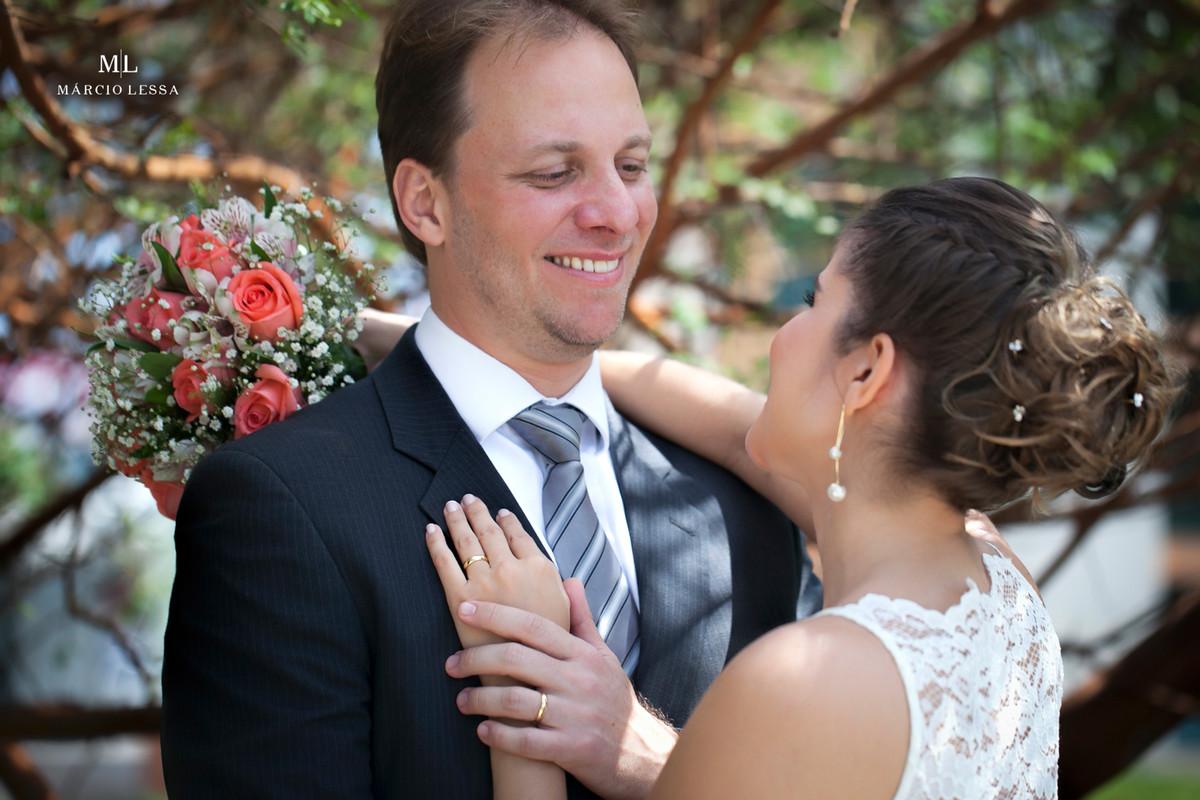 Os sorrisos dos noivos logo após o Casamento Civil no Shopping Downtown na Barra da Tijuca RJ