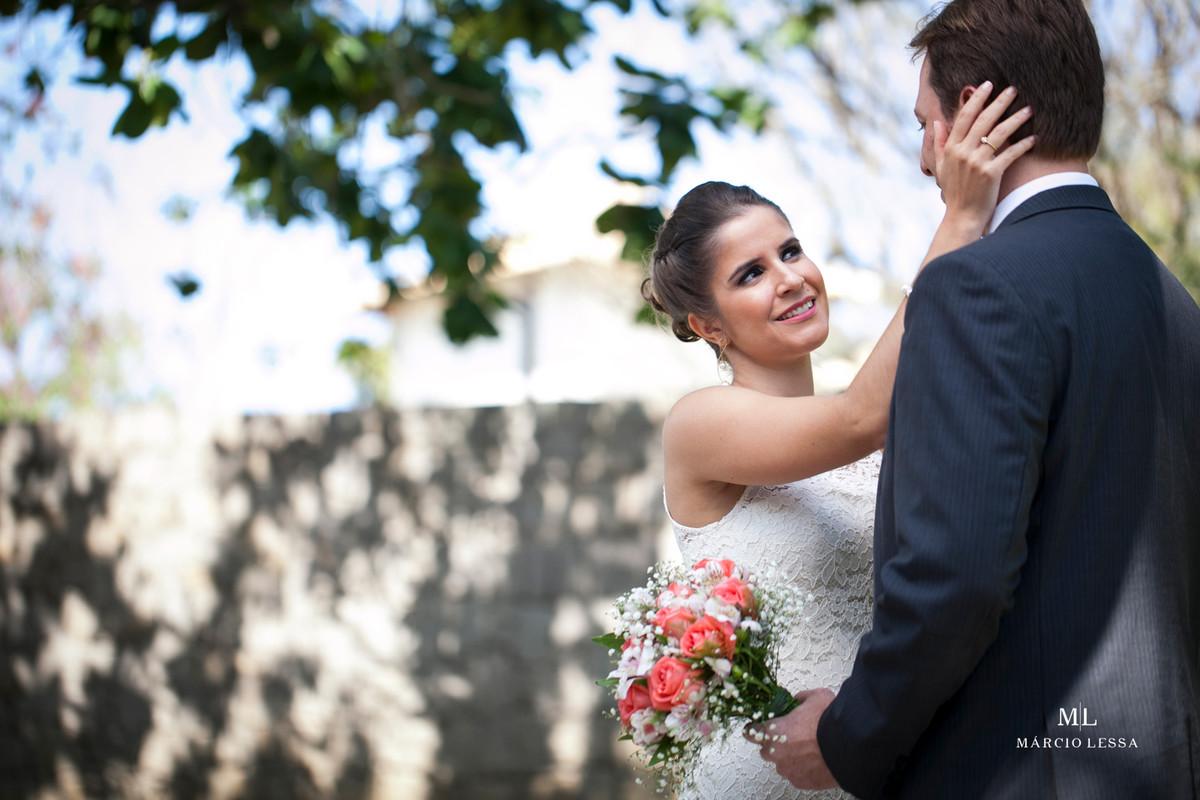 Sorrisos e contemplação no Casamento Civil no Shopping Downtown na Barra da Tijuca RJ