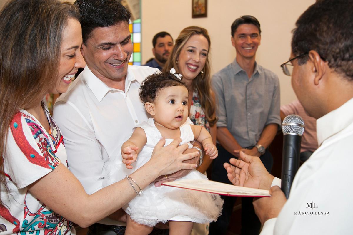 Pais e Filha no Batizado na Igreja Nossa Senhora da Conceição