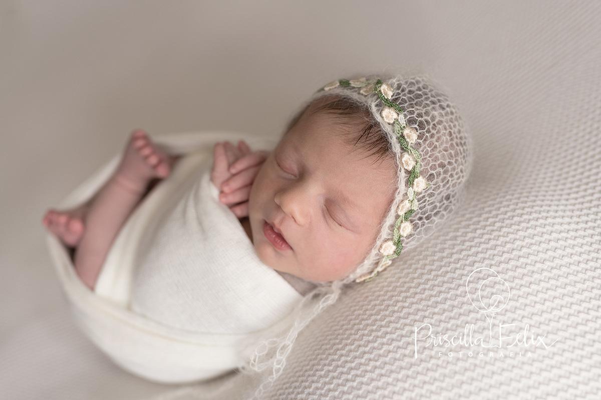 Imagem capa - O que é o ensaio newborn? por PRISCILLA FELIX FOTOGRAFIA