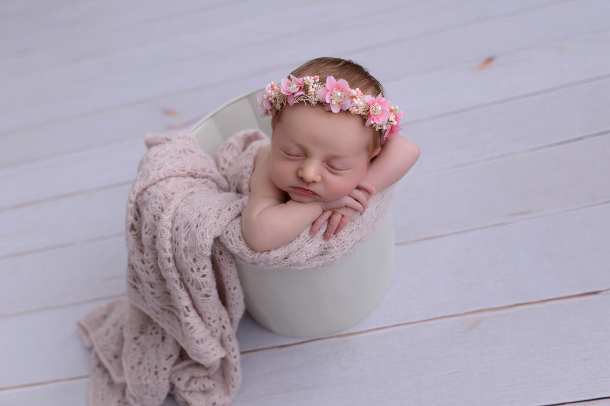 Imagem capa -  Ensaio Newborn - Os Primeiros Dias por Daiane Tochetto