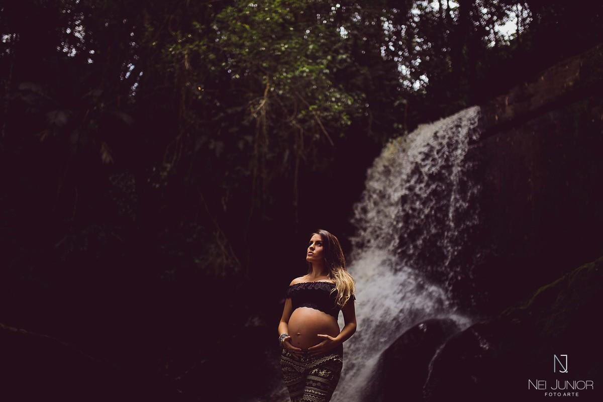 Foto de Caroline Manoel grávida da Maria