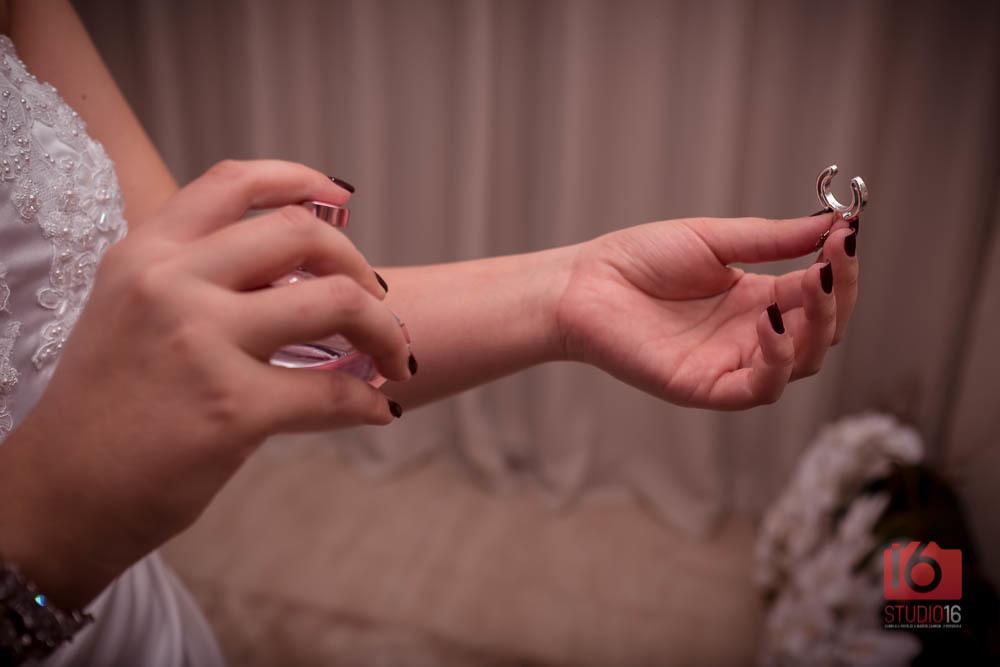 Imagem capa - Como escolher o perfume para o meu casamento em 5 passos por Studio16 Fotografia